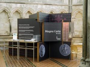 Magna-Carta-Display-Case-Front