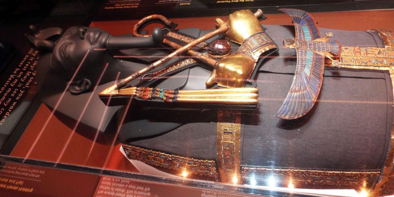 SPECIAL: Expoziţia Tutankhamon la Londra