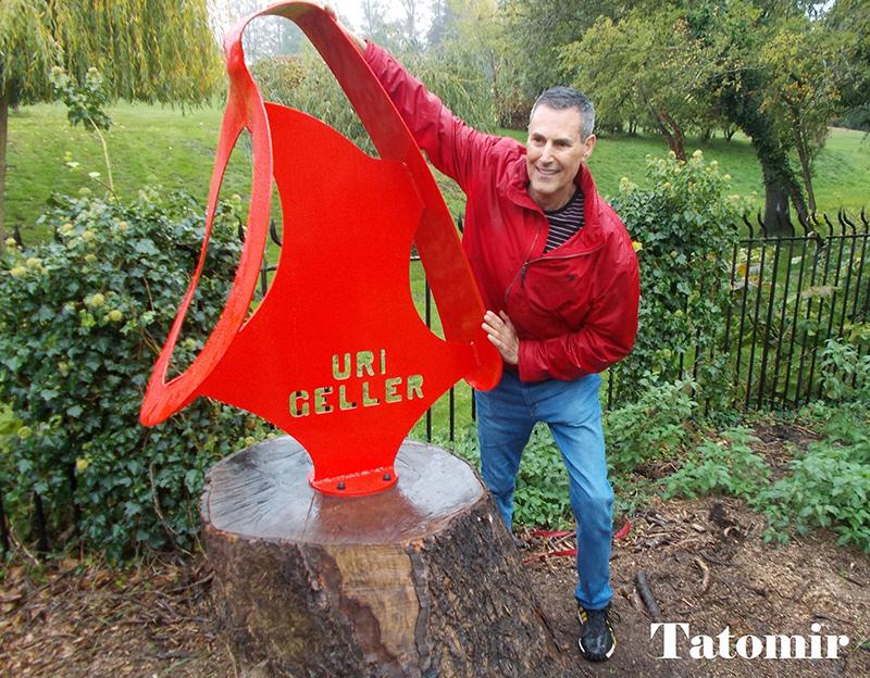 Cadoul de rămas bun al lui Uri Geller pentru Sonning (Anglia)